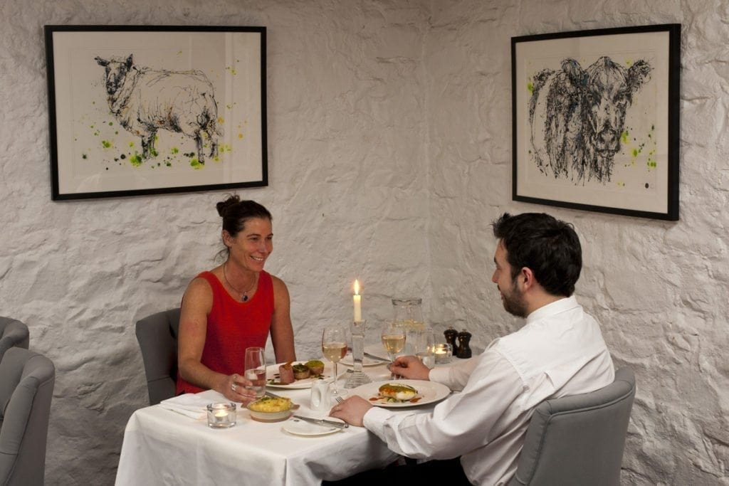 bushmills-inn_dining-room_kathryn_callaghan_art