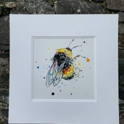 bee painting pollen